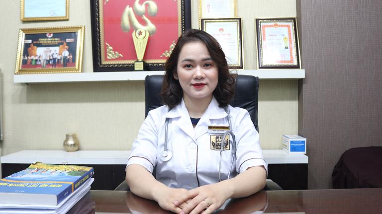 Bác sĩ Ngô Thị Hằng phụ trách khám, chữa bệnh tư vấn về sinh lý