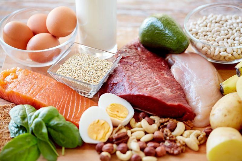 Bổ sung chất đạm đầy đủ để cân bằng hormone trong cơ thể