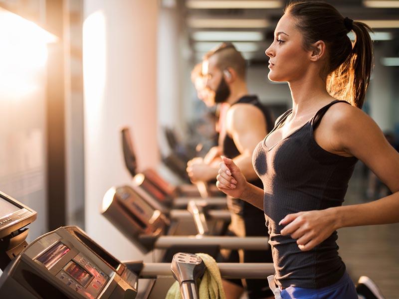Tăng cường luyện tập thể dục thể thao là phương pháp điều trị rối loạn nội tiết tố nữ ngay tại nhà