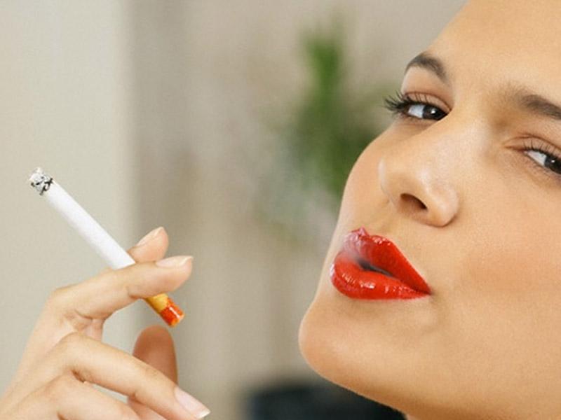 Hút thuốc là thường xuyên là một trong những yếu tố gia tăng nguy cơ tiền mãn kinh
