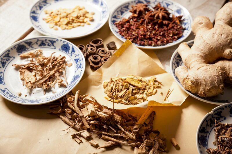 Các bài thuốc Đông y sẽ cải thiện chức năng tạng phụ trong cơ thể nhằm kéo dài tuổi mãn kinh