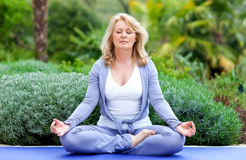 Chị em trong độ tuổi trung niên nên tập thể dục thường xuyên để nâng cao sức khỏe