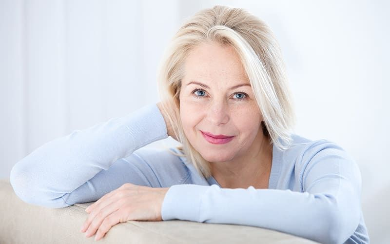 Hiện nay chưa có nghiên cứu nào chỉ ra nguyên nhân cụ thể cho việc trễ tuổi mãn kinh