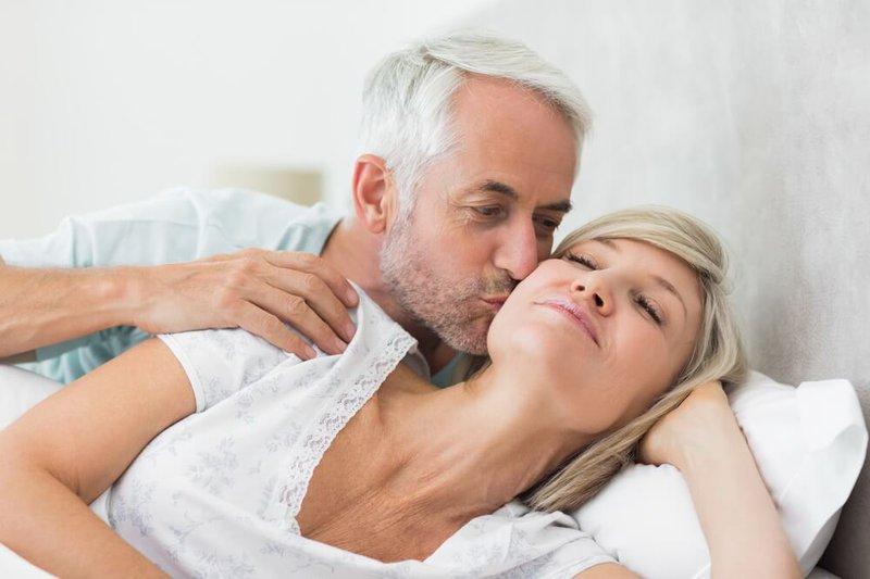 Mãn kinh trễ sẽ duy trì chất lượng cuộc sống tình dục cho bạn