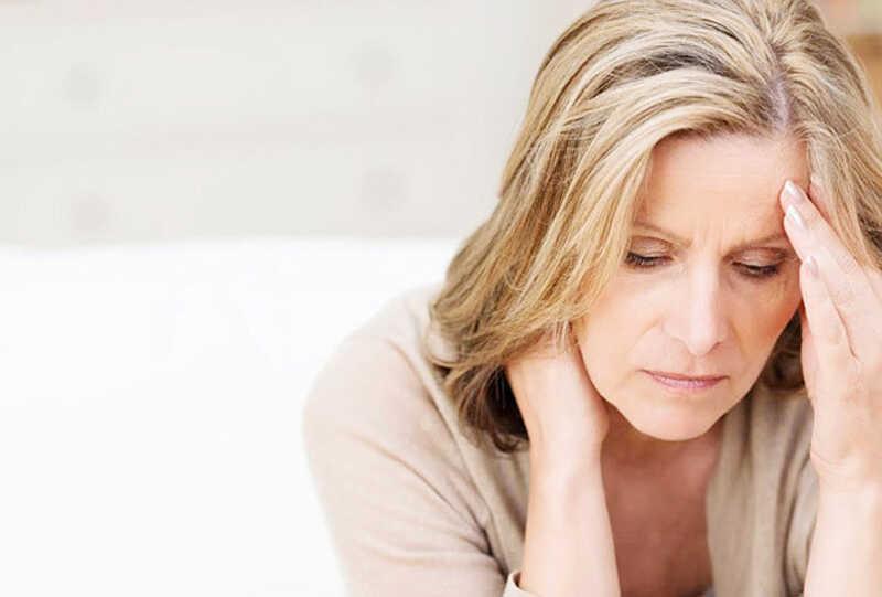 Tâm lý căng thẳng, lo âu dễ khiến chị em bị mất ngủ