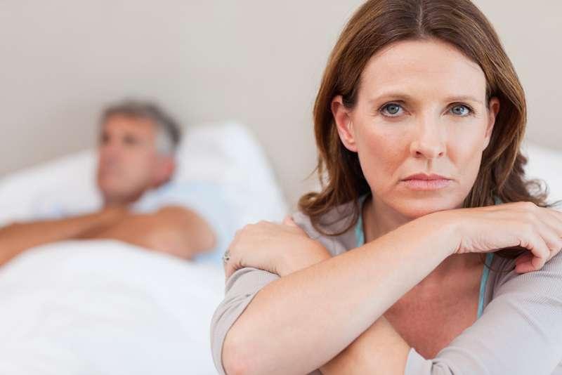 """Càng lớn tuổi hormone Oxytocin càng suy giảm khiến chị em mất dần hứng thú """"yêu"""""""