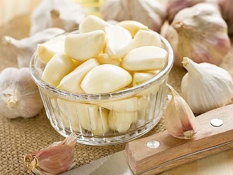 Thành phần của tỏi có chứa khá nhiều hoạt chất với tác dụng kháng khuẩn, kháng viêm