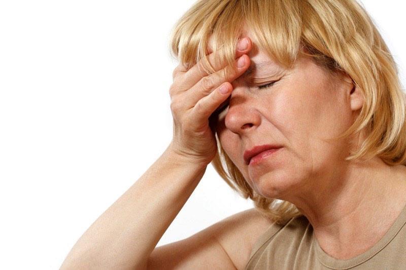 Bước vào thời kỳ mãn kinh gây suy giảm nội tiết tố là nguyên nhân giảm ham muốn ở phụ nữ