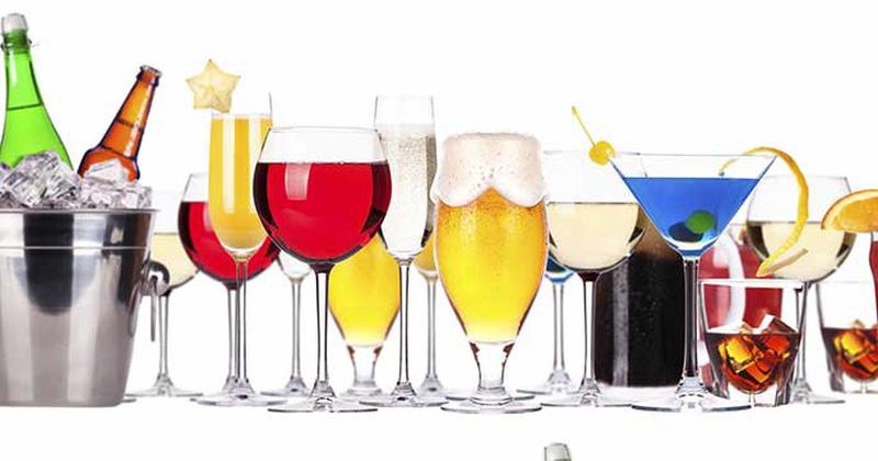 Đồ uống có cồn sẽ làm tình trạng khô hạn sau sinh trở nên trầm trọng hơn