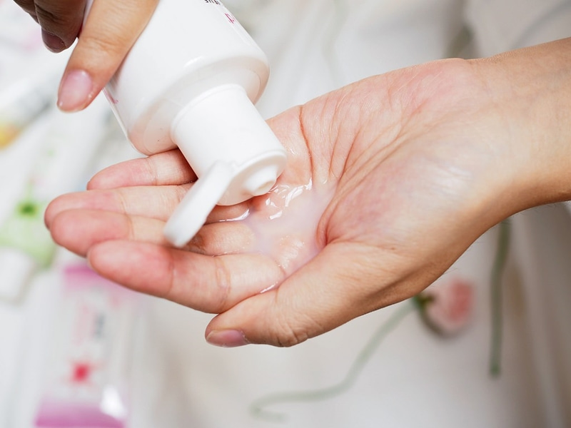 Không sử dụng những sản phẩm có tính axit cao vì nó sẽ làm mỏng niêm mạc và mất cân bằng pH âm đạo.