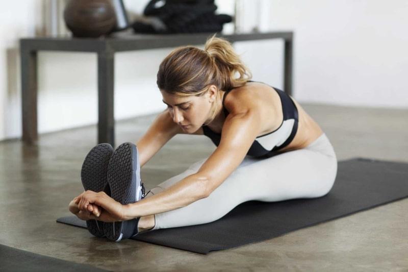 Chị em nên tập thể dục thường xuyên để tăng cường sức khoẻ và cải thiện tình trạng