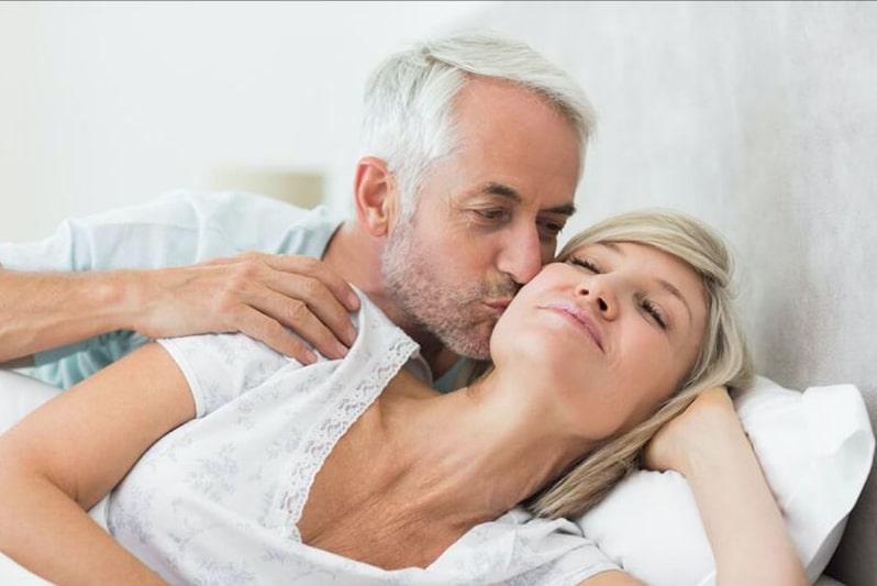 Phụ nữ tuổi 50 trở lên vẫn còn ham muốn, vẫn có nhu cầu về tình dục