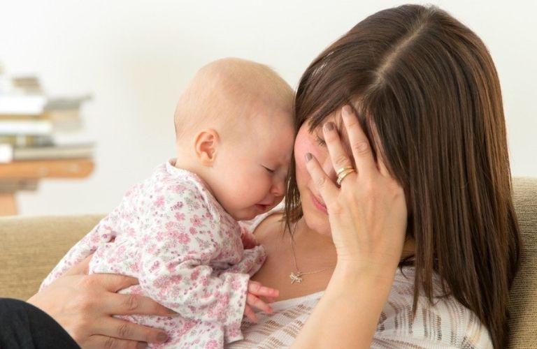 Suy giảm nội tiết tố sau sinh là tình trạng nhiều mẹ bầu gặp phải